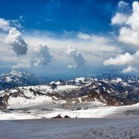 Вид с Эльбруса :: Николай Малявко
