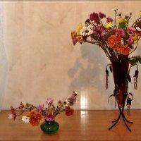 Два букетика последних хризантем :: Нина Корешкова