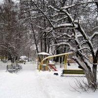 Зимний дворик :: Елена Семигина