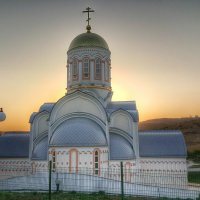 Храм на фоне заката. :: Игорь Карпенко