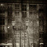 Снегопад в Москве. Одинокий фонарь. :: Игорь Герман