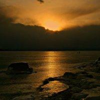 Поздний закат на Байкале :: Нина