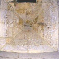 """Изображения внутри пирамиды . """"Старый парк"""" :: Alexey YakovLev"""