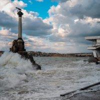 Шторм в Севастополе :: Нелли
