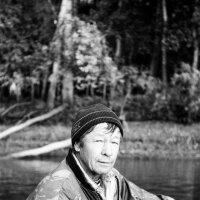дядя Паша, инструктор по рыбному лову. :: Евгений Золотаев