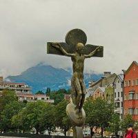 Статуя Иисуса на мосту. коротый дал название городу :: Олег Попков