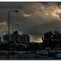 Тучи над  городом стали .... :: Leonid Korenfeld