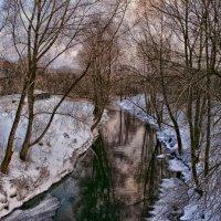 А зимой в реке вода не боится хо-ло-да... :: Евгений Юрков