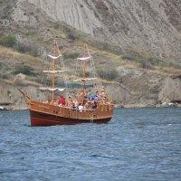 Отдых на море, Крым. Морская прогулка на Карадаг-1. :: Руслан Грицунь