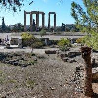 На развалинах храма Зевса :: Владимир Брагилевский