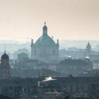 Милан,вид с собора Дуомо :: Наталия