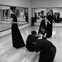 На уроке танцев. :: Ilona An