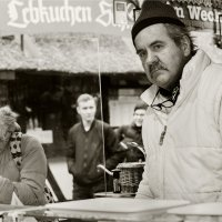 продавец нюрнбергских колбасок :: Grigory Spivak