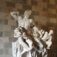 Греция. Родос. Дворец магистров. Статуя Лоокона. :: Лариса (Phinikia) Двойникова