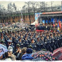 Переполняет гордость нас и пусть нам в лица дождик хлещет ! :: Андрей Головкин