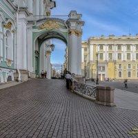 Парадный подъезд :: Valeriy Piterskiy