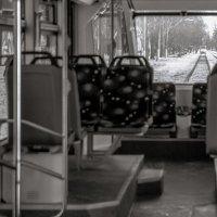 ...трамвай - он так неловок ...при обгоне! ))) :: Сергей Клембо