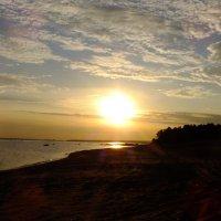 Закат солнца на Финском заливе :: Андрей Кротов