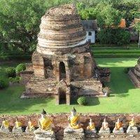 Таиланд. Аютхая. Развалины храма XIV века. :: Лариса (Phinikia) Двойникова