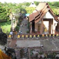 Таиланд. Аютхая. У древнего храма. :: Лариса (Phinikia) Двойникова