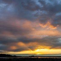 Закат во время грозы :: Яна Старковская