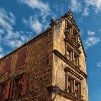 Сарла-ла-Канеда. Под небом голубым есть город золотой. :: Надежда Лаптева