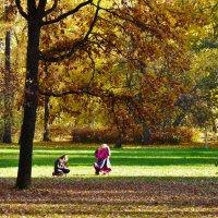 Девочки и осень... :: Sergey Gordoff