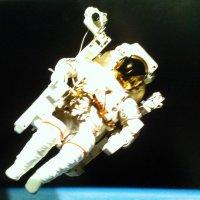 Фото космонавта с выставки о космасе в Лофт Проект ЭТАЖИ. :: Светлана Калмыкова