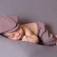 Новорожденный малыш :: Алёна Абросимова