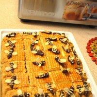 Торт медовик с пчелками. :: Оля Богданович