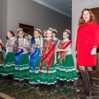 русские красавицы перед выходом на сцену :: Владимир Маслов