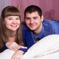 Симпотичная пара на кровати :: Valentina Zaytseva