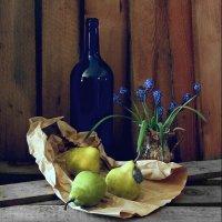 Натюрморт с синей  бутылкой. :: Валерия  Полещикова