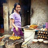 Уличный ресторанчик в Пномпене :: Tatiana Belyatskaya