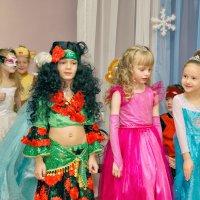Один день из жизни детского садика - Новый год шагает по стране :: Дмитрий Конев
