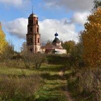 Сельская церковь. :: Николай Емелин