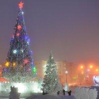 Снежный городок в Норильске :: Сергей Докукин