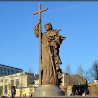 Памятник князю Владимиру :: Михаил