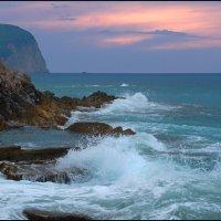 Плещут холодные волны. :: Виталий Внимательный.