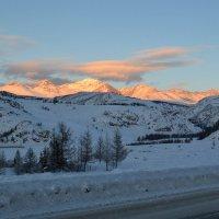 Светящиеся горы :: Елена Рекк
