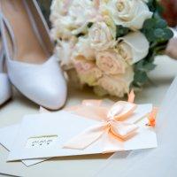 туфли и букет невесты :: Егор Чеботаренко