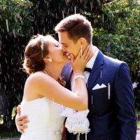Свадебная фотография под дождем :: Егор Чеботаренко
