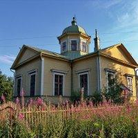 Православная церковь на длительной реставрации по дороге с Леппясюрьи на Суйстамо. :: Владимир Ильич Батарин