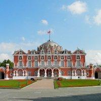 Петровский путевой дворец :: Лара Dor