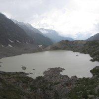 Озеро с ледника :: Виталий Купченко