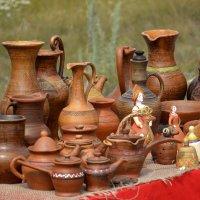 Глиняные Кувшинчики...на столе :: Дмитрий Петренко