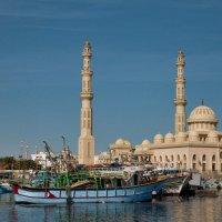 Al Mina Mosque, Hurghada, Egypt :: Anna Aleksandrova
