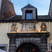 Древняя весовая в Маастрихте, Голландия! :: Witalij Loewin