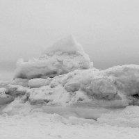 Ледяные торосы (чб вариант) :: Елена Перевозникова