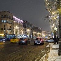 Москва праздничная. ул Тверская :: Лариса Батурова